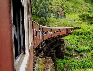 Train from Kandy to Nuwara Eliya