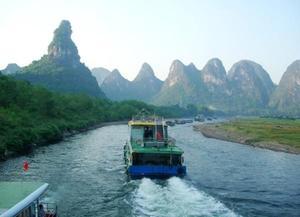 Guilin/Yangshuo Day Tour: Guilin–Yangshuo Li River Cruise (Group Tour)