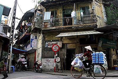 <2-14D VN SH> Flights to Vietnam from Shanghai